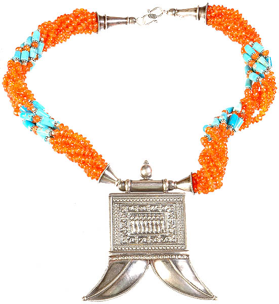 A Carnelian and Turquoise Necklace with Tiger Claws Amulet