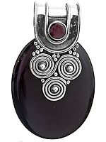 Black Onyx Pendant with Garnet