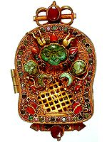 Gau Box Pendant of Maitreya Buddha with Garuda at Front (Collectible)