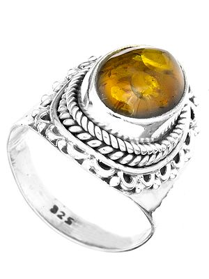 Amber Oval Ring with Filigree